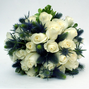 Simple Elegance - Roses and Eryngium - Click Image to Close
